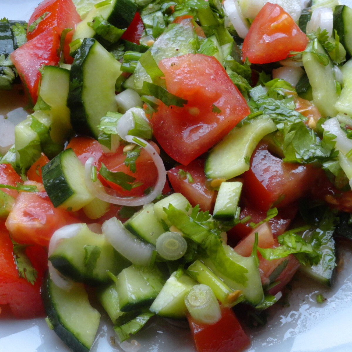 Ciprusi korianderes saláta