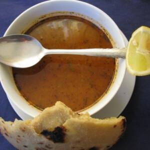 Algériai zöldséges-citromos húsleves