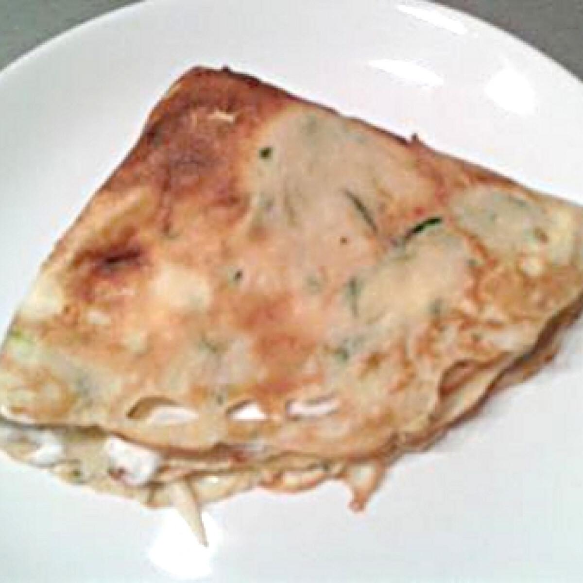 Ezen a képen: Cukkinis-sajtos palacsinta
