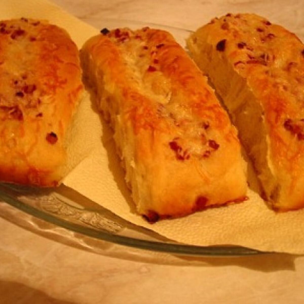 Ezen a képen: Sajtos-baconös stangli