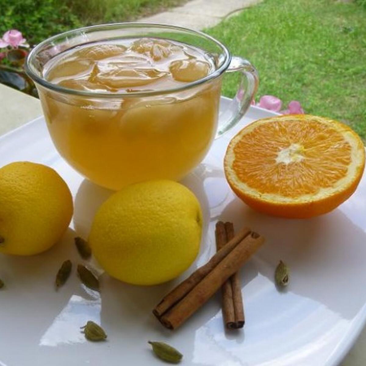 Ezen a képen: Zöld tea tonikkal