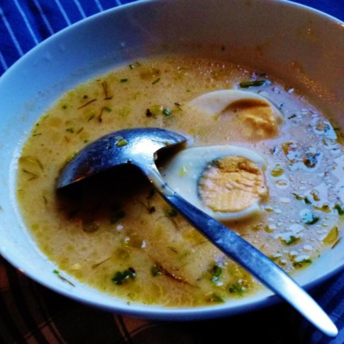 Ezen a képen: Pikáns tojásleves Márti konyhájából