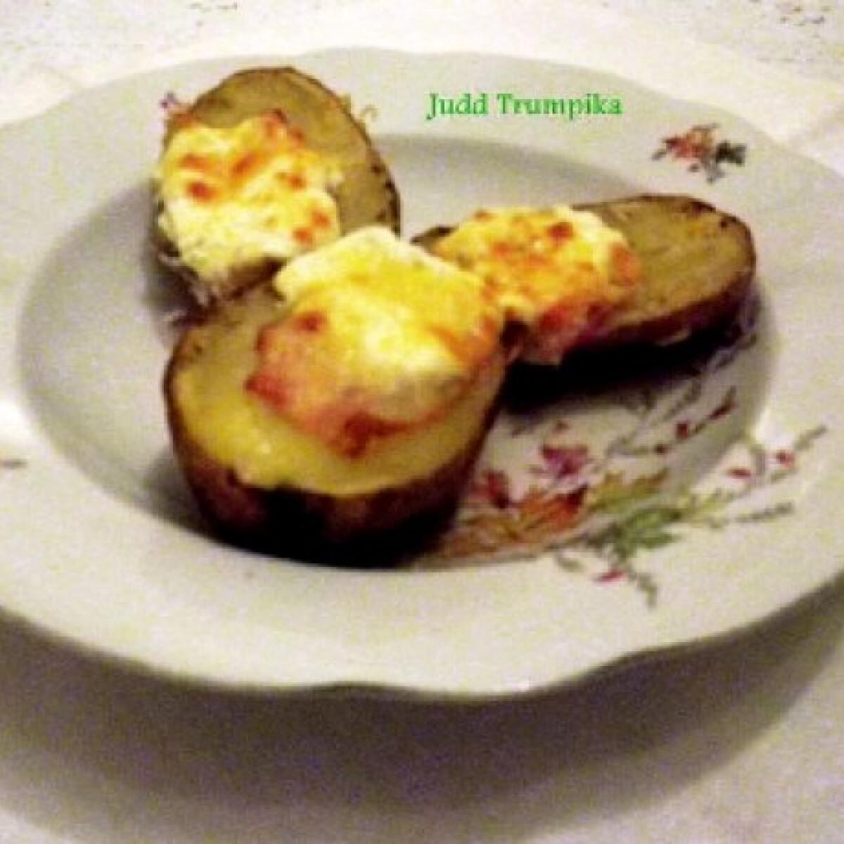 Ezen a képen: Szalonnás-tejfölös sült krumpli