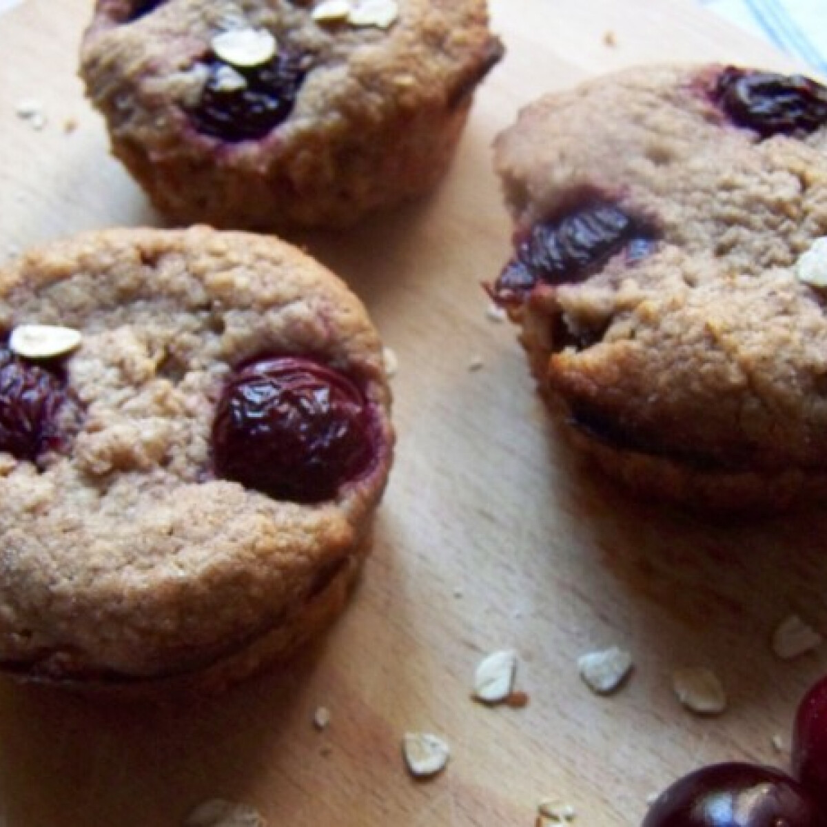 Meggyes muffin pipőke konyhájából
