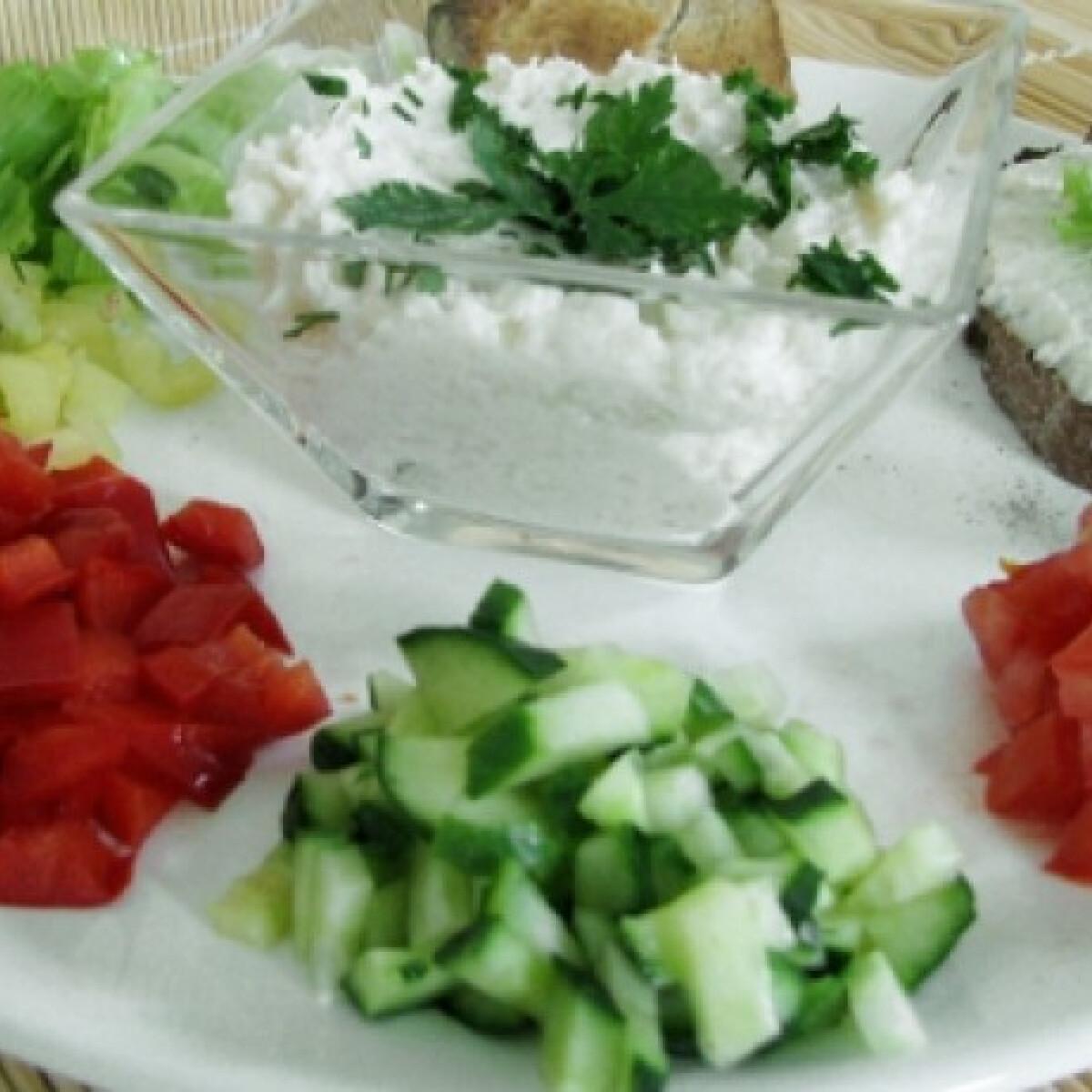 Joghurtos-juhtúrós karfiolkrém