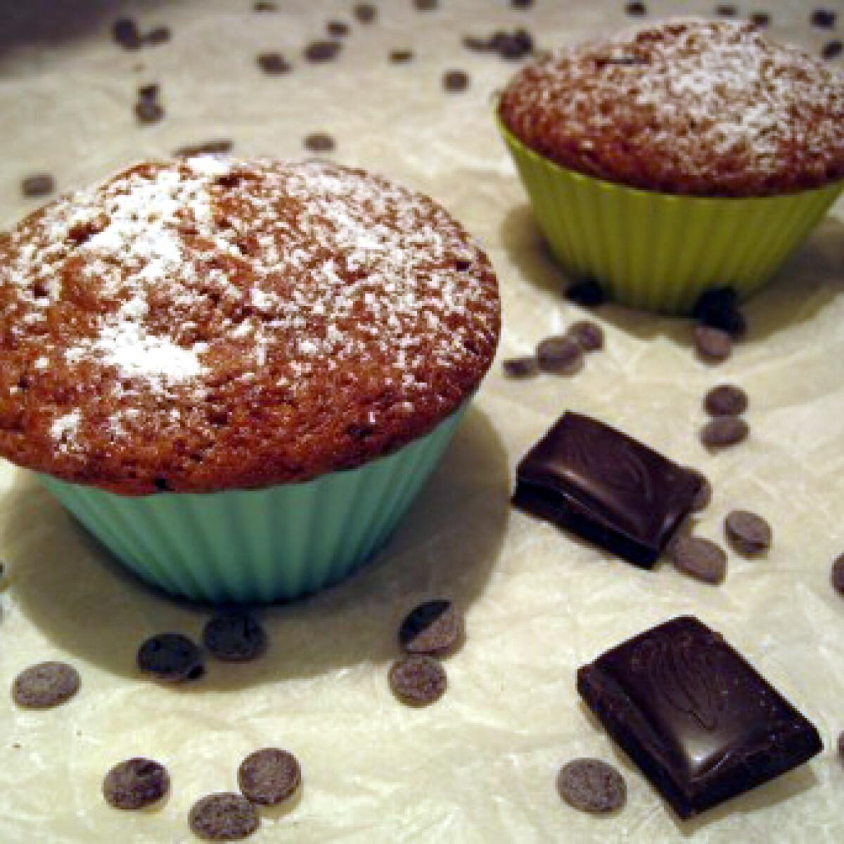 Ezen a képen: Muffin gyümölcsjoghurttal