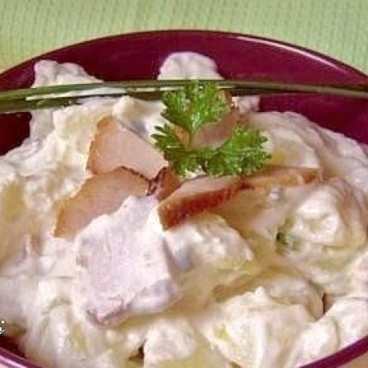 Ezen a képen: Sülthúsos burgonyasaláta