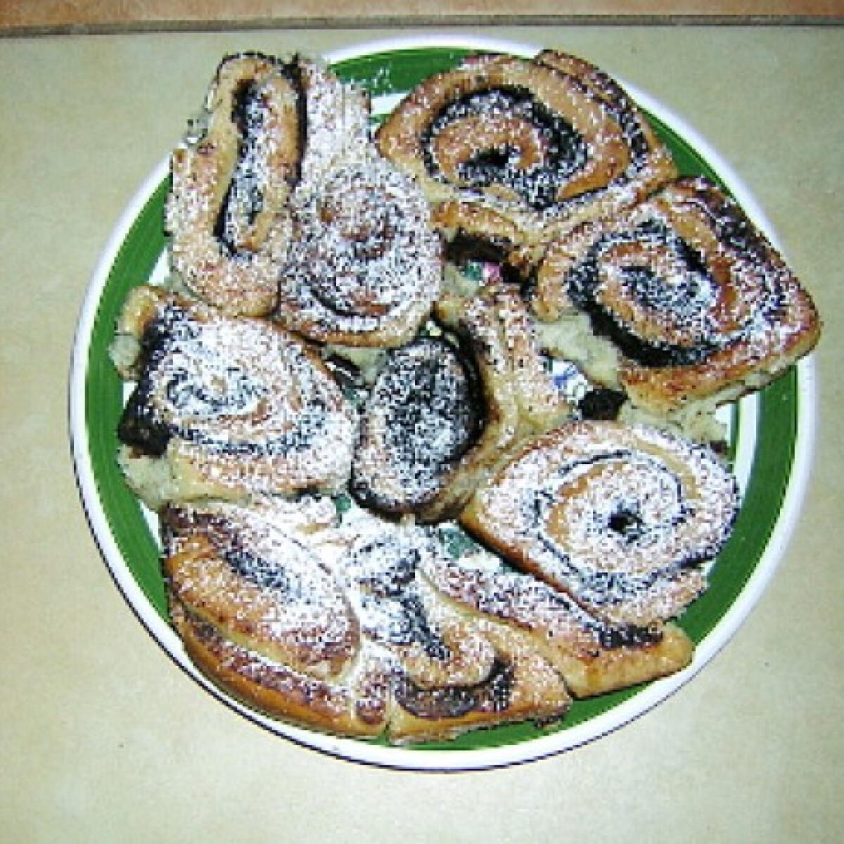 Ezen a képen: Kakaós csiga Kömény konyhájából