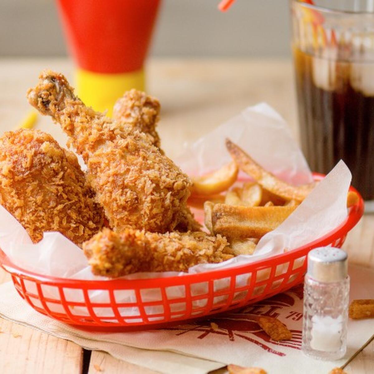 Ezen a képen: KFC sült csirke