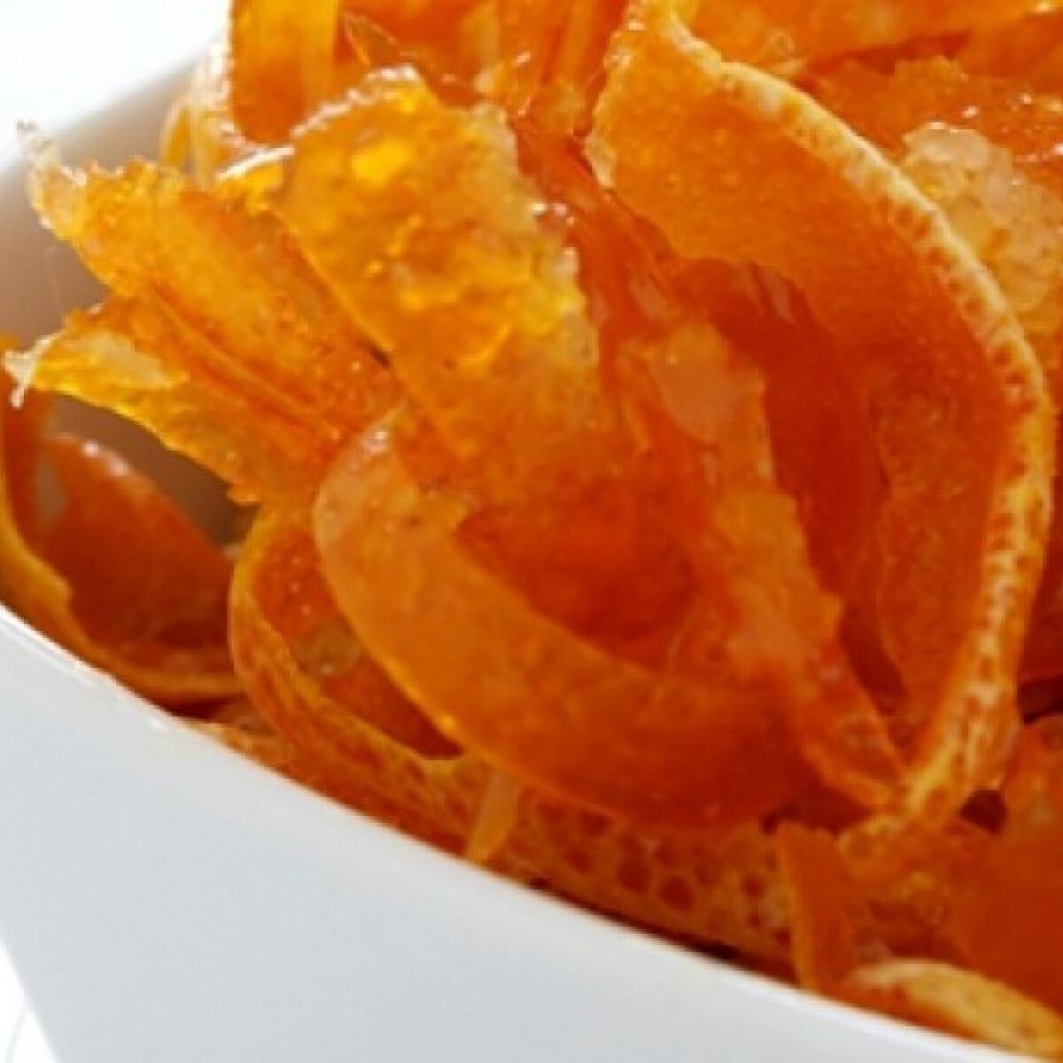 Kandírozott narancshéj szirupban eltéve
