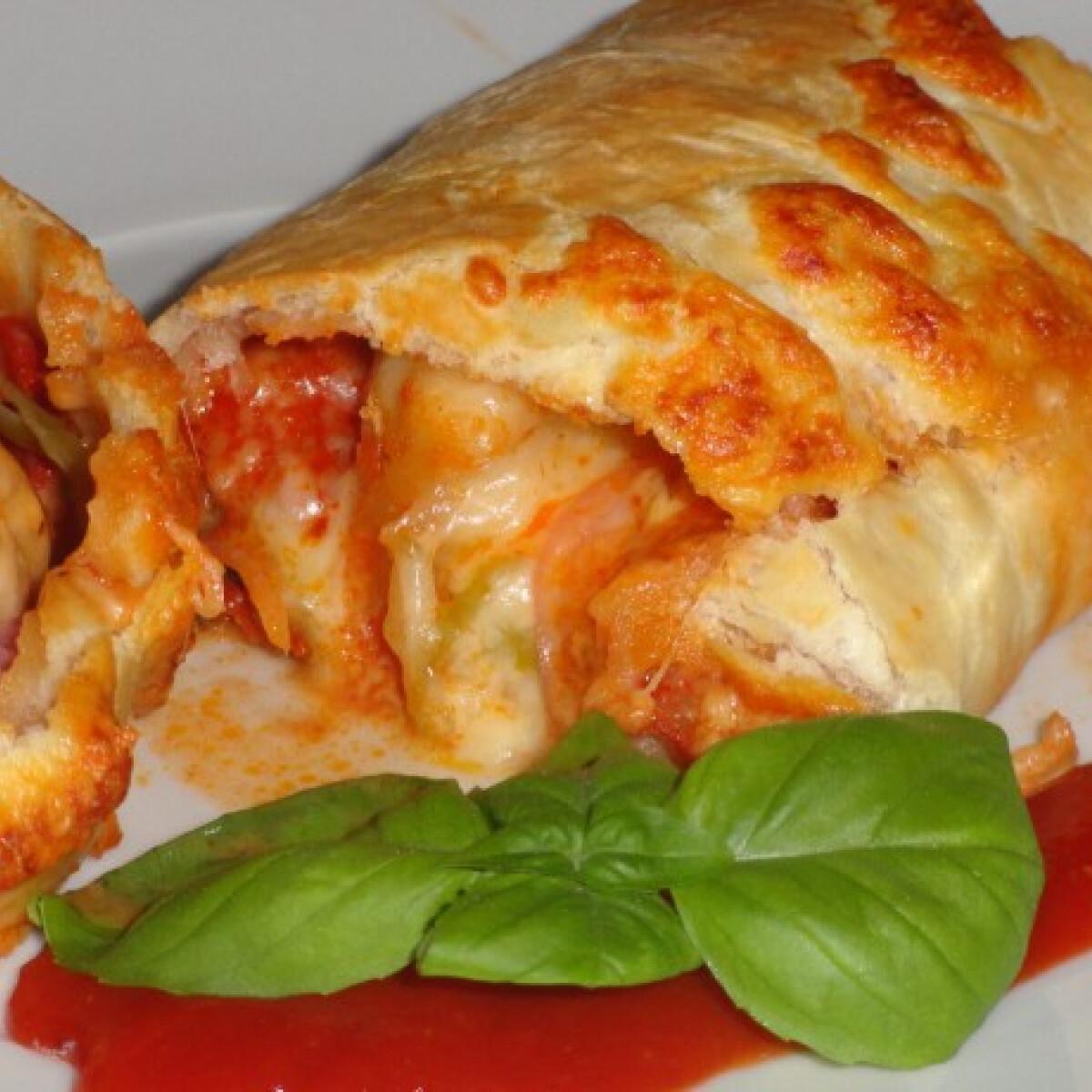 Ezen a képen: Pizzatekercs Glaser konyhájából