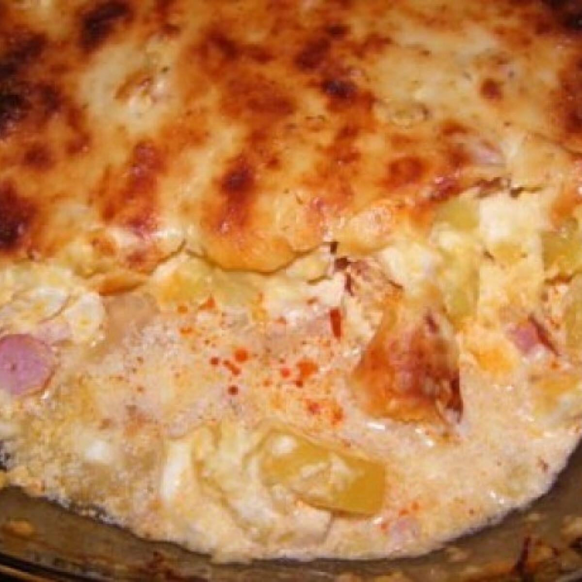 Ezen a képen: Extra szaftos rakott krumpli