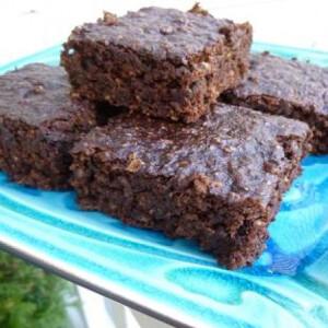 Zöldséges-gyümölcsös brownie