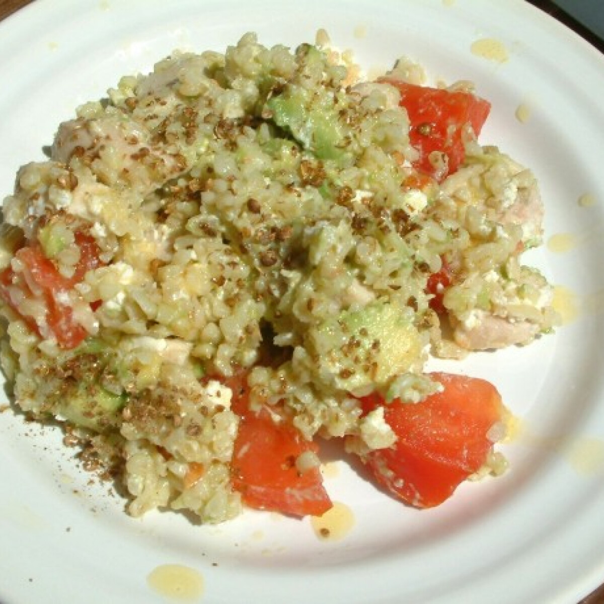 Ezen a képen: Csirkés-avokádós-bulguros saláta