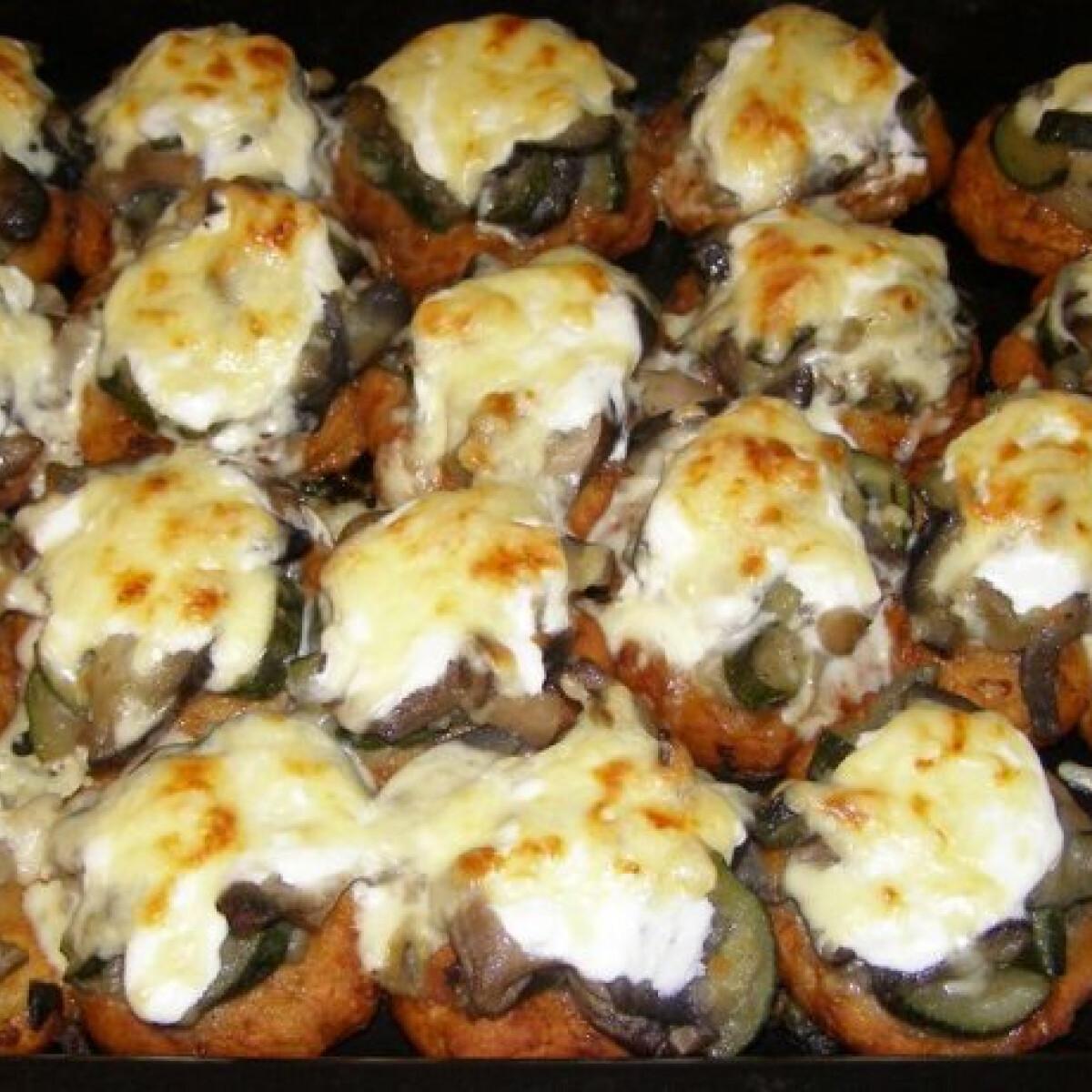 Ezen a képen: Zöldséges krumplilepények