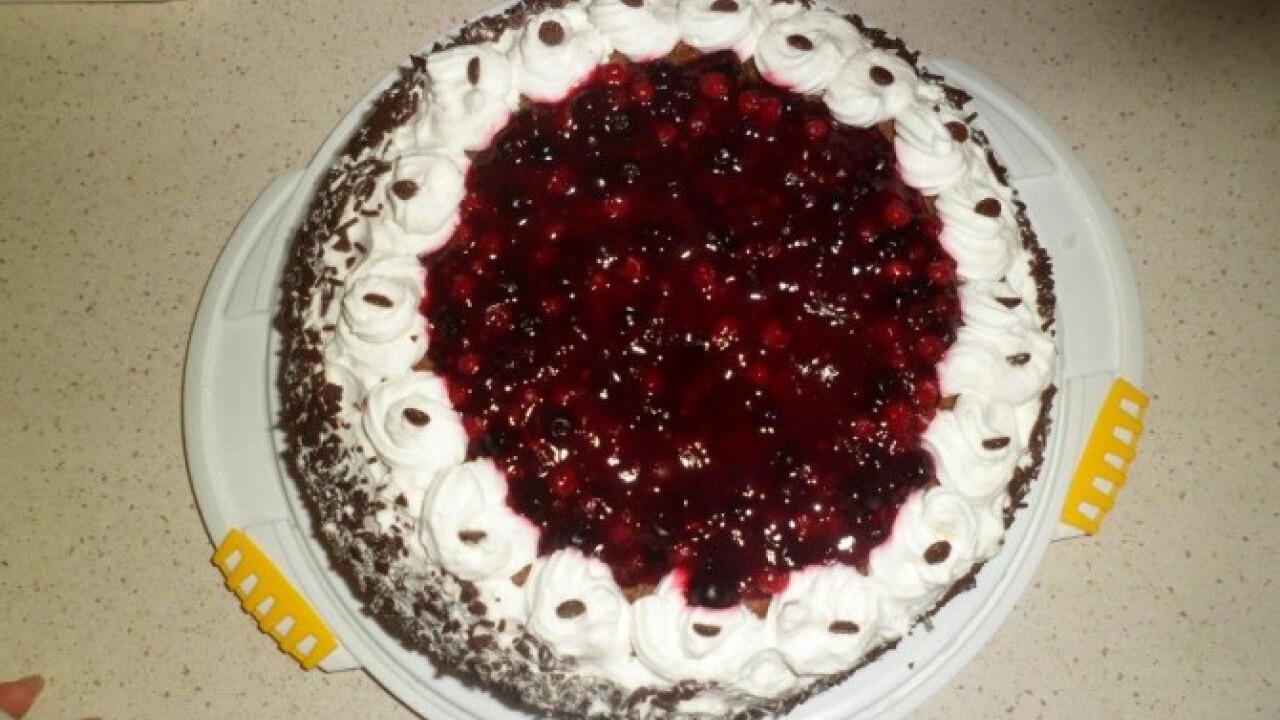 Bögrés feketeerdő-torta