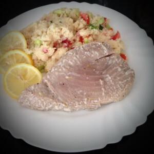 Sült tonhal kuszkusz salátával
