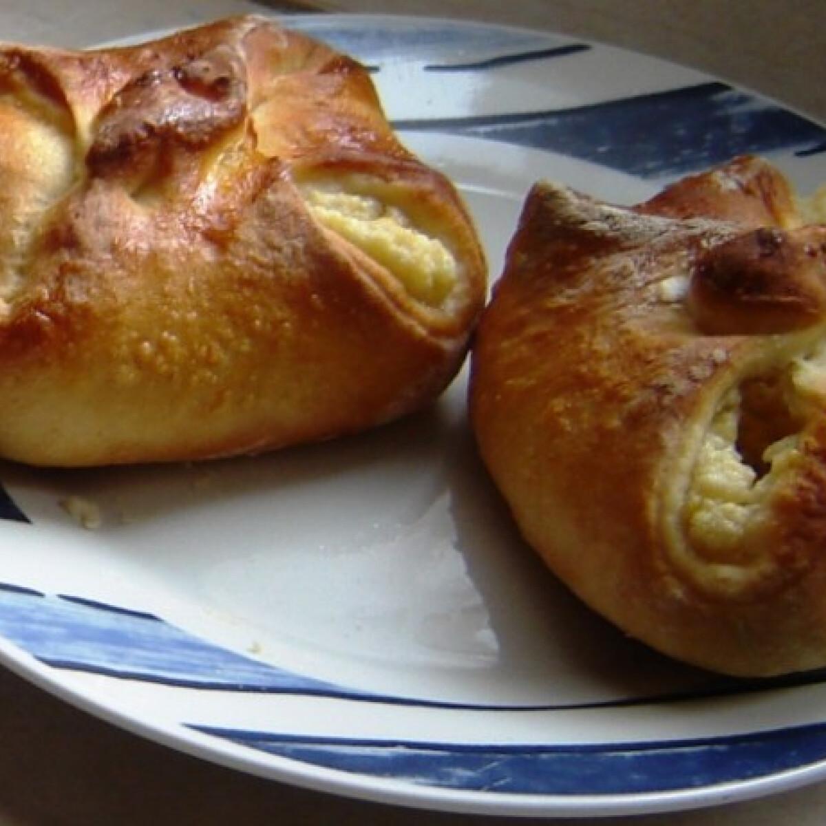 Ezen a képen: Túrós batyu bodzával Giovanna konyhájából
