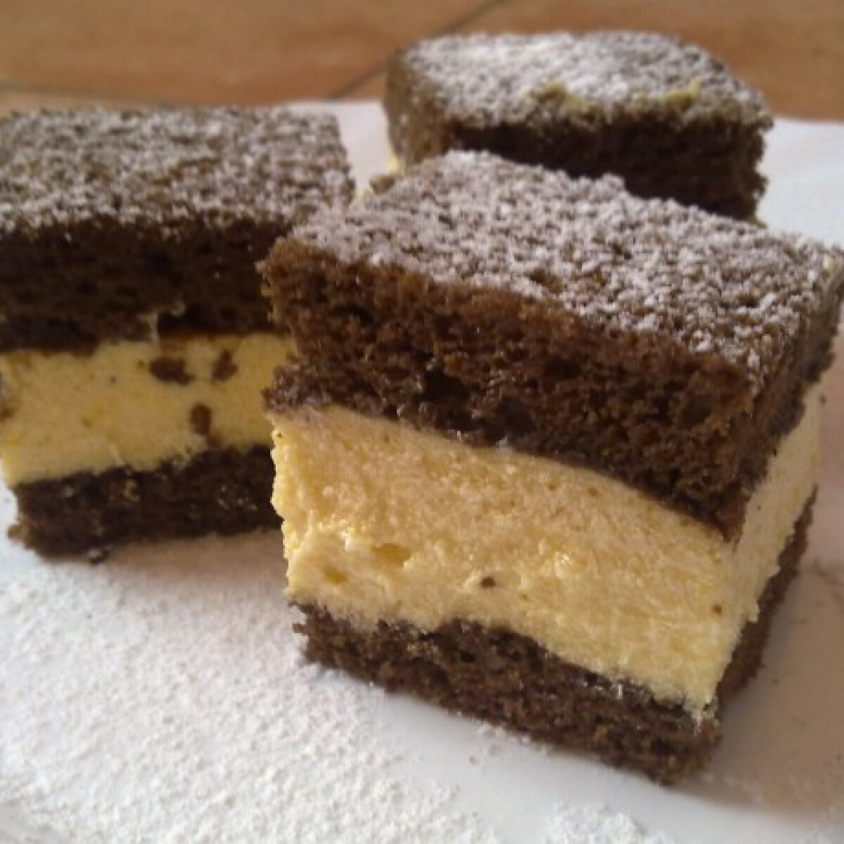 Ezen a képen: Hideg csokis kocka
