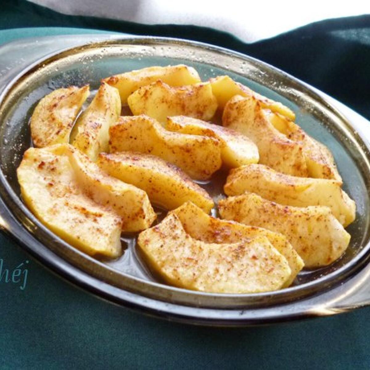 Ezen a képen: Sült almakompót