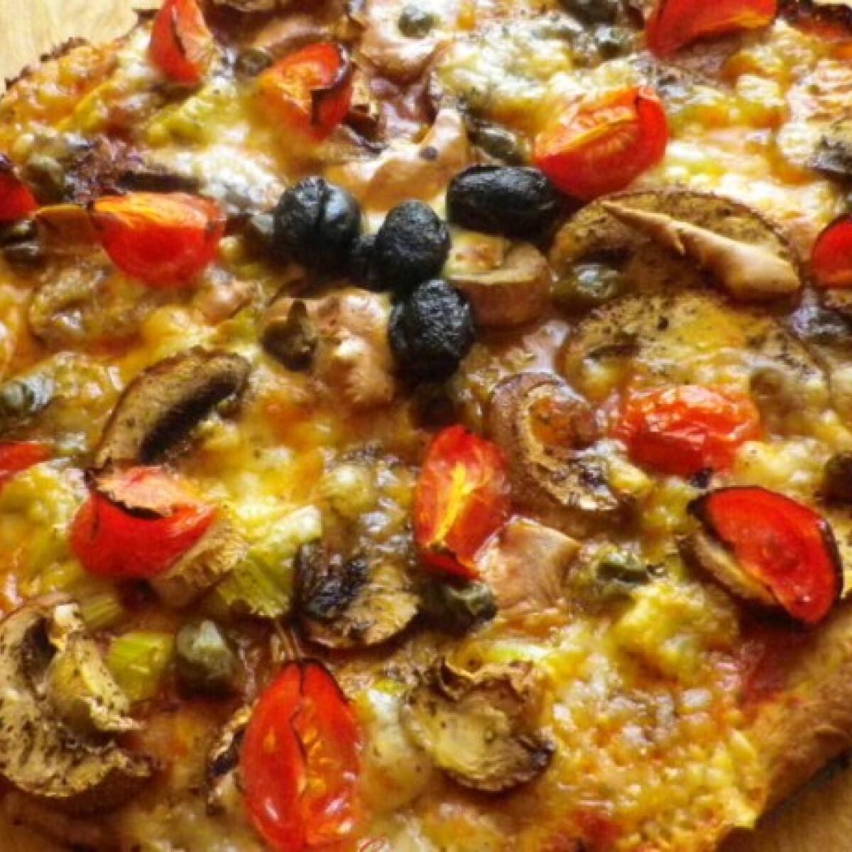 Ezen a képen: Diétás vega pizza