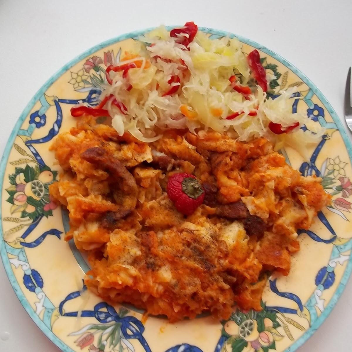 Vörösboros-baconös krumplis tészta