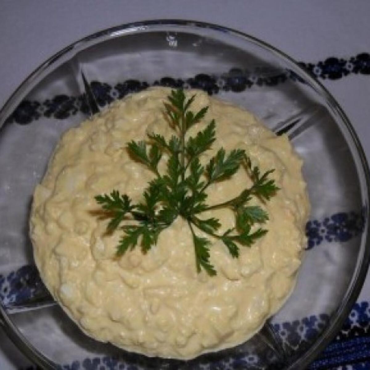 Ezen a képen: Tojáskrém mustárral és majonézzel