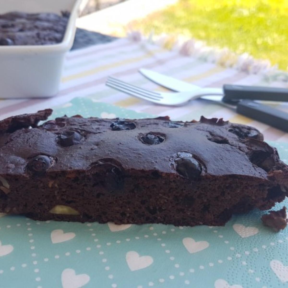 Ezen a képen: Szénhidrátszegény cukkinis süti