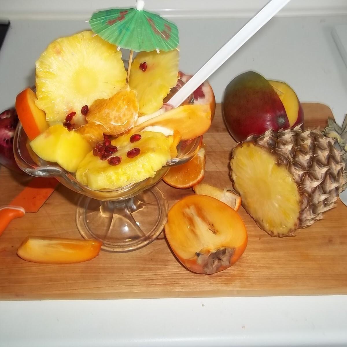 Ezen a képen: Egzotikus gyümölcssaláta vodkával