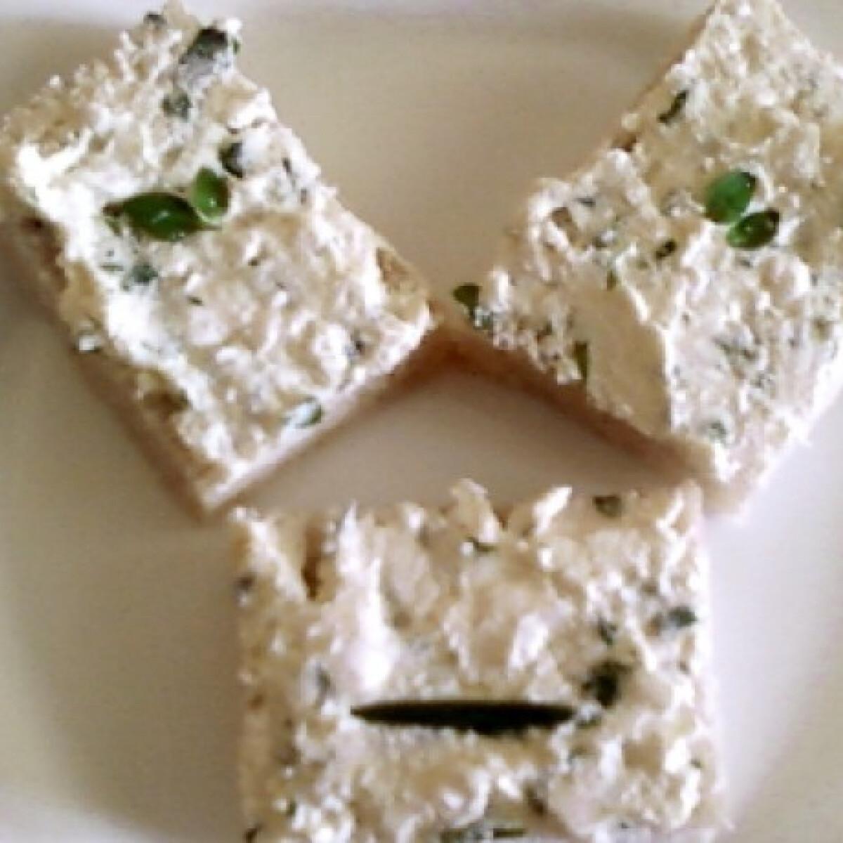 Ezen a képen: Zöldfűszeres sajtkrém