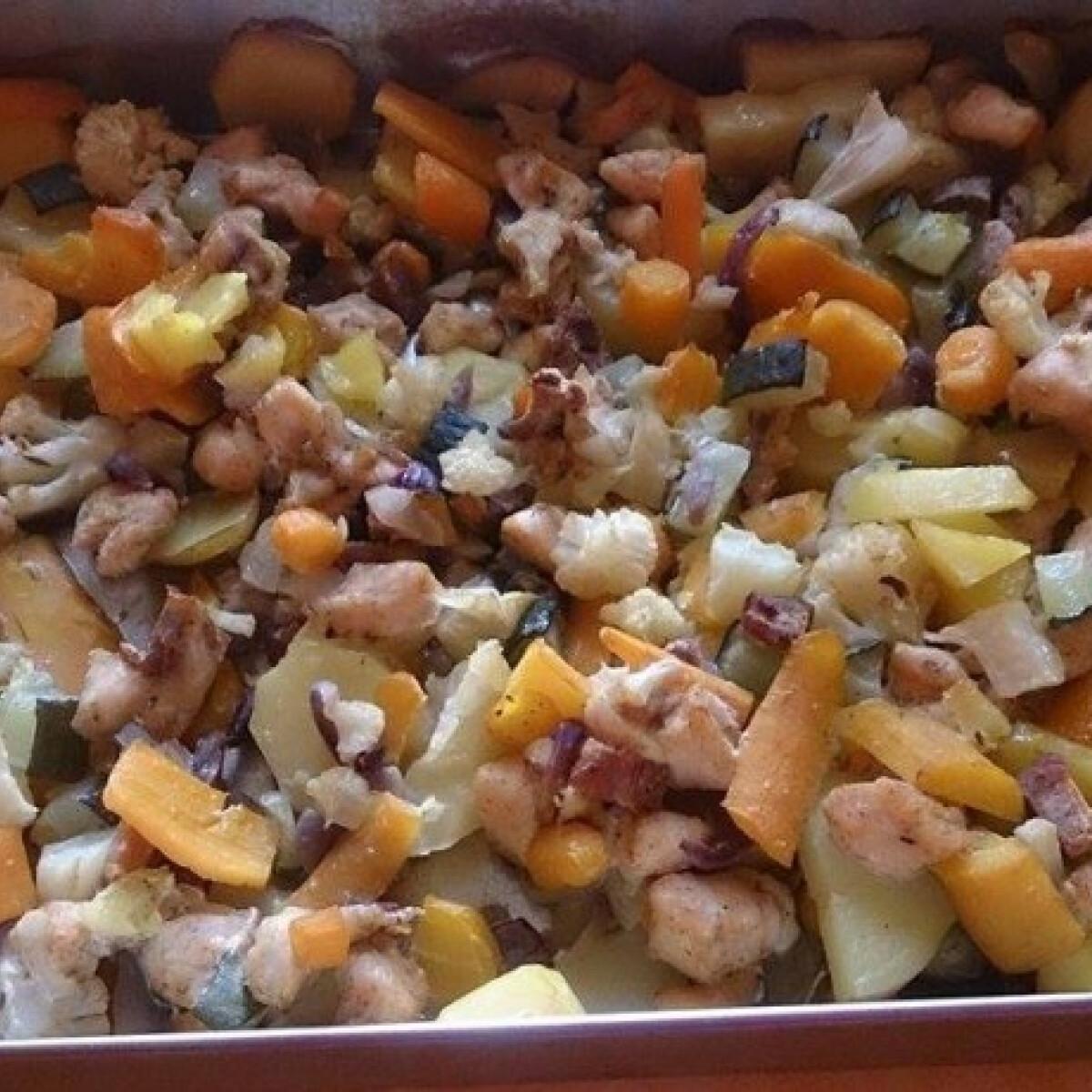 Ezen a képen: Zöldséges-húsos egytálétel Anett konyhájából
