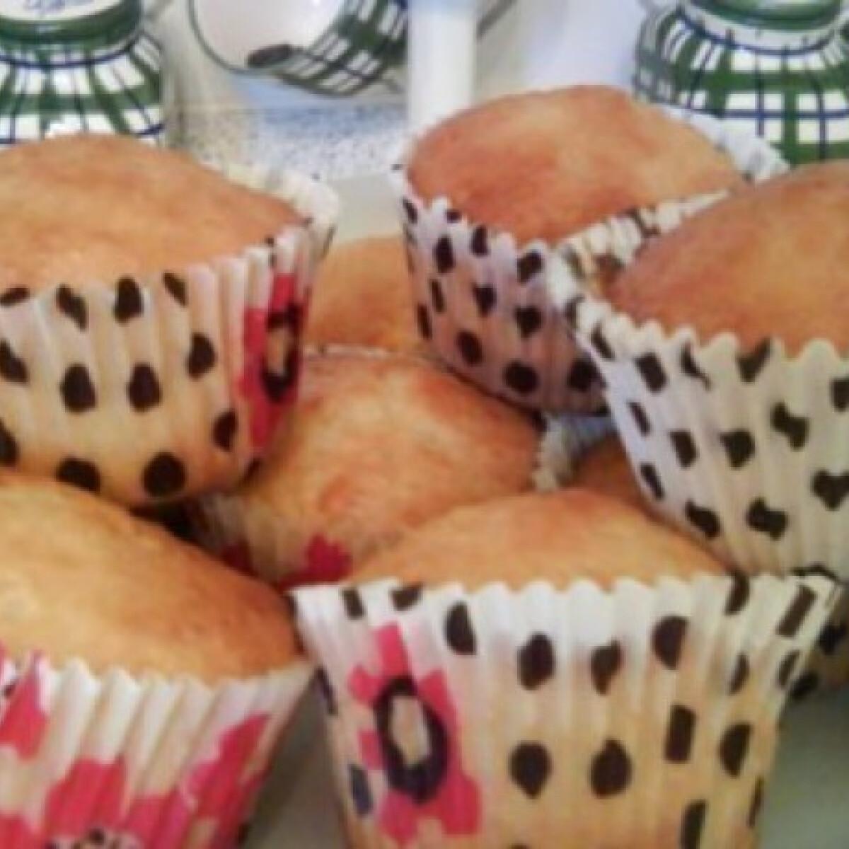 Ezen a képen: Citromos-joghurtos muffin