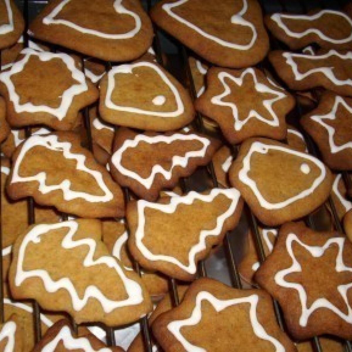 Ezen a képen: Karácsonyi mézes puszedli (3.) - lekvárral