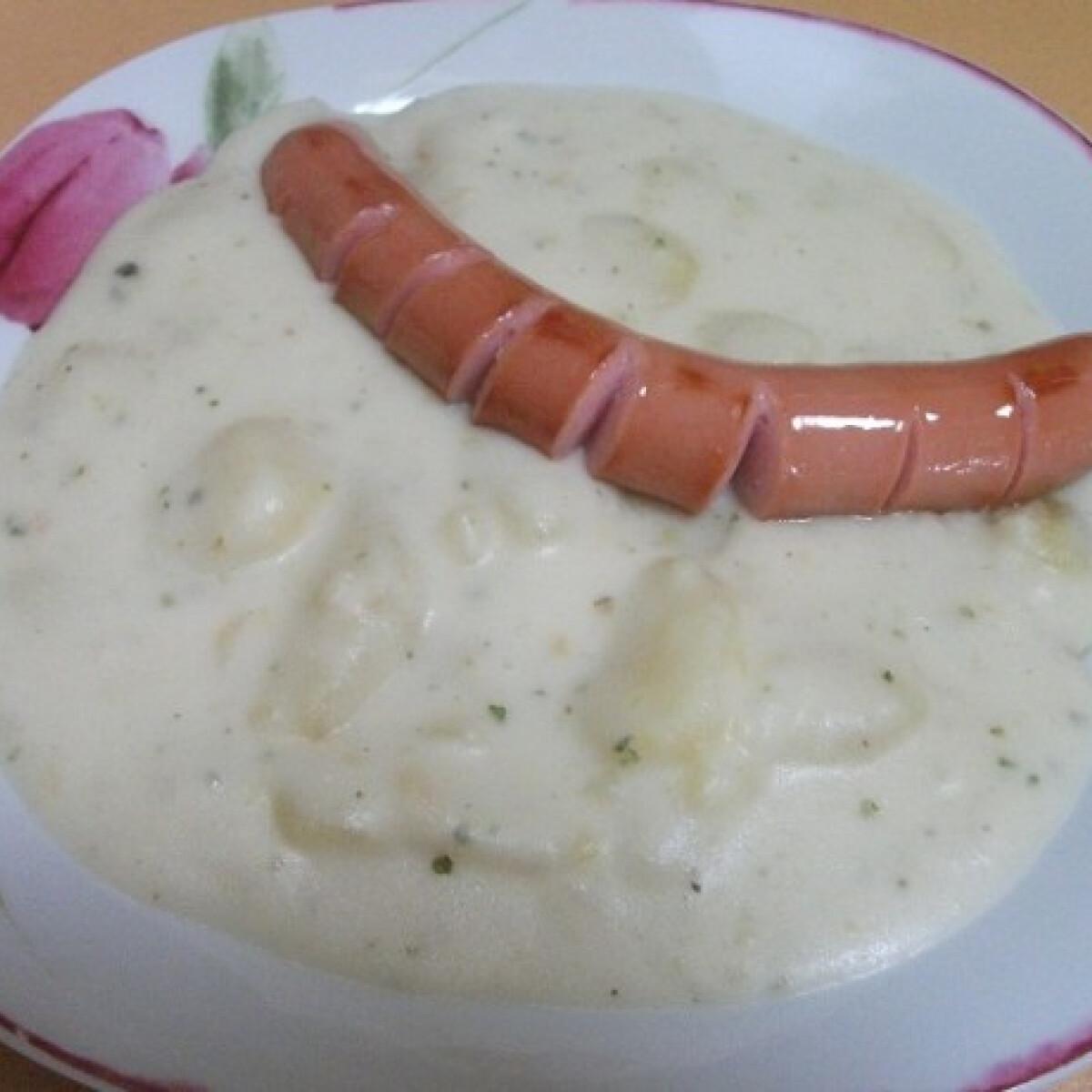 Ezen a képen: Tejfölös-fokhagymás krumplifőzelék