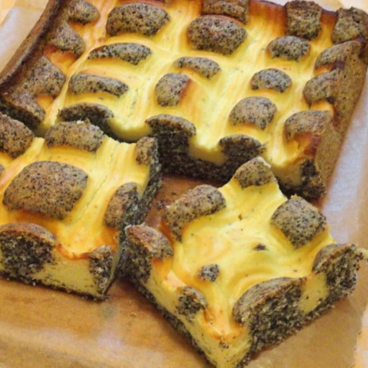Ezen a képen: Mákos túrós szelet Glaser konyhájából