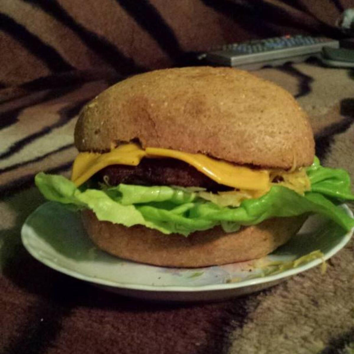 Ezen a képen: Káposztás hamburger