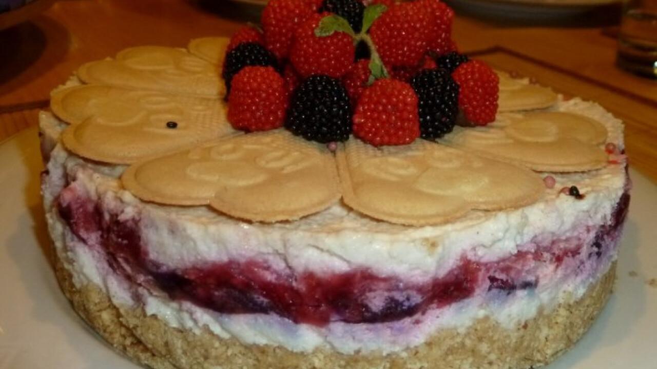 Málnás mascarpone torta sütés nélkül