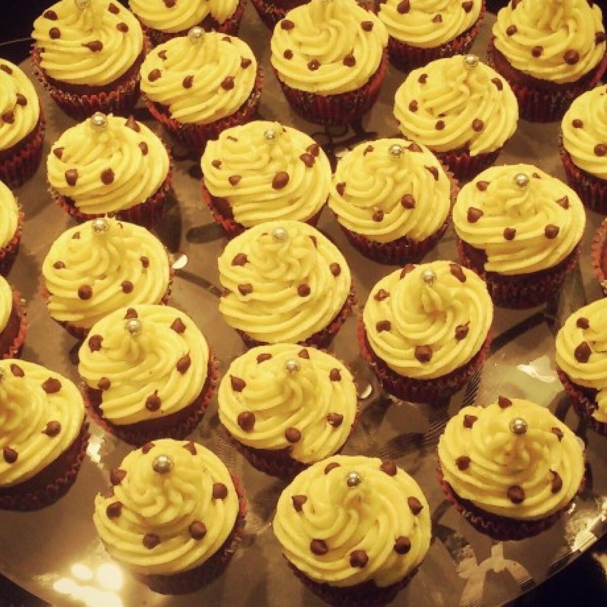 Ezen a képen: Csokis-banános cupcake Csenge.Mlnr konyhájából