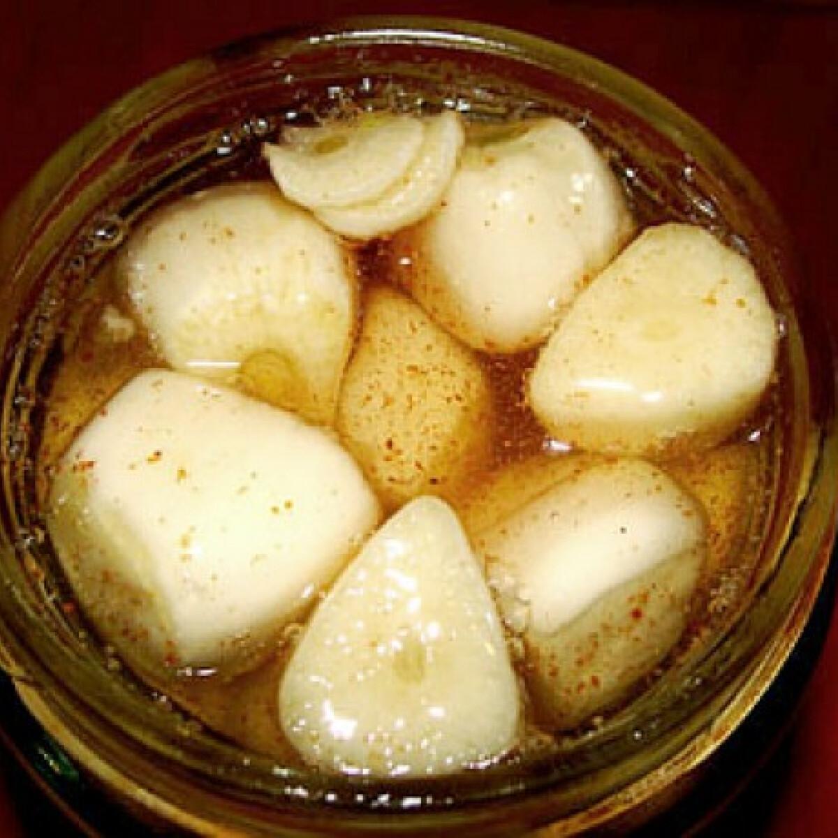 Ezen a képen: Mézes-chilis fokhagyma
