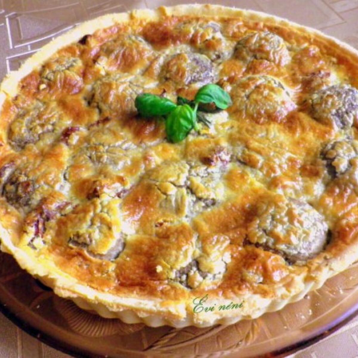 Ezen a képen: Gombás quiche Évi néni konyhájából
