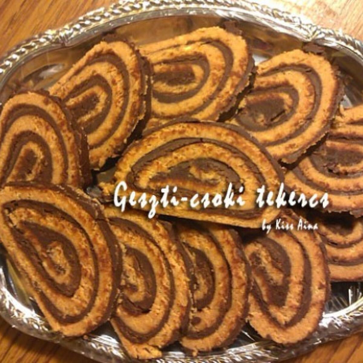 Ezen a képen: Gesztenyés-csokitekercs