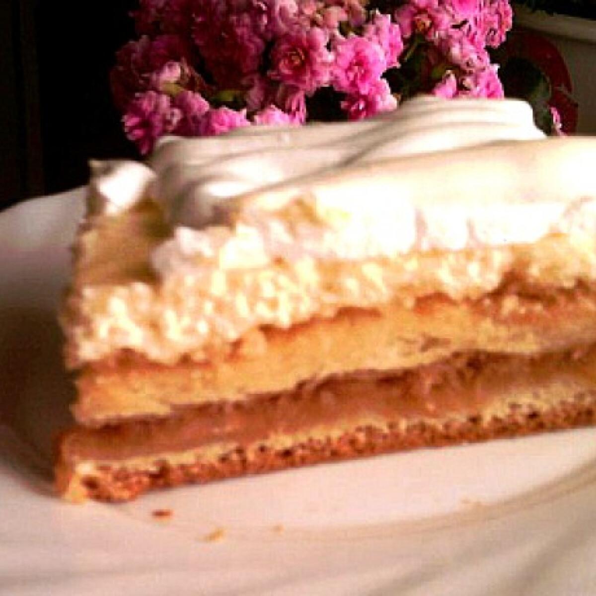 Almás-túrós habos sütemény