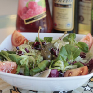 Friss saláta chia maggal