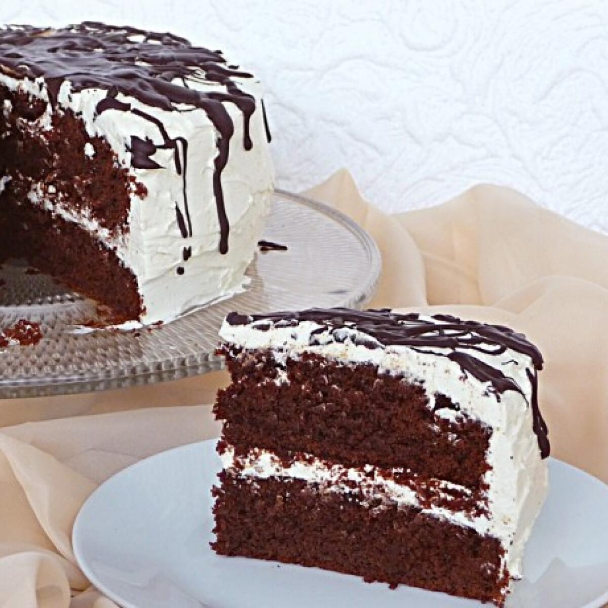 Ezen a képen: Sütőtökös csokoládétorta