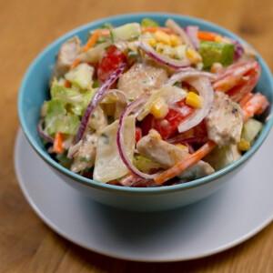 Tojásos-csirkés saláta