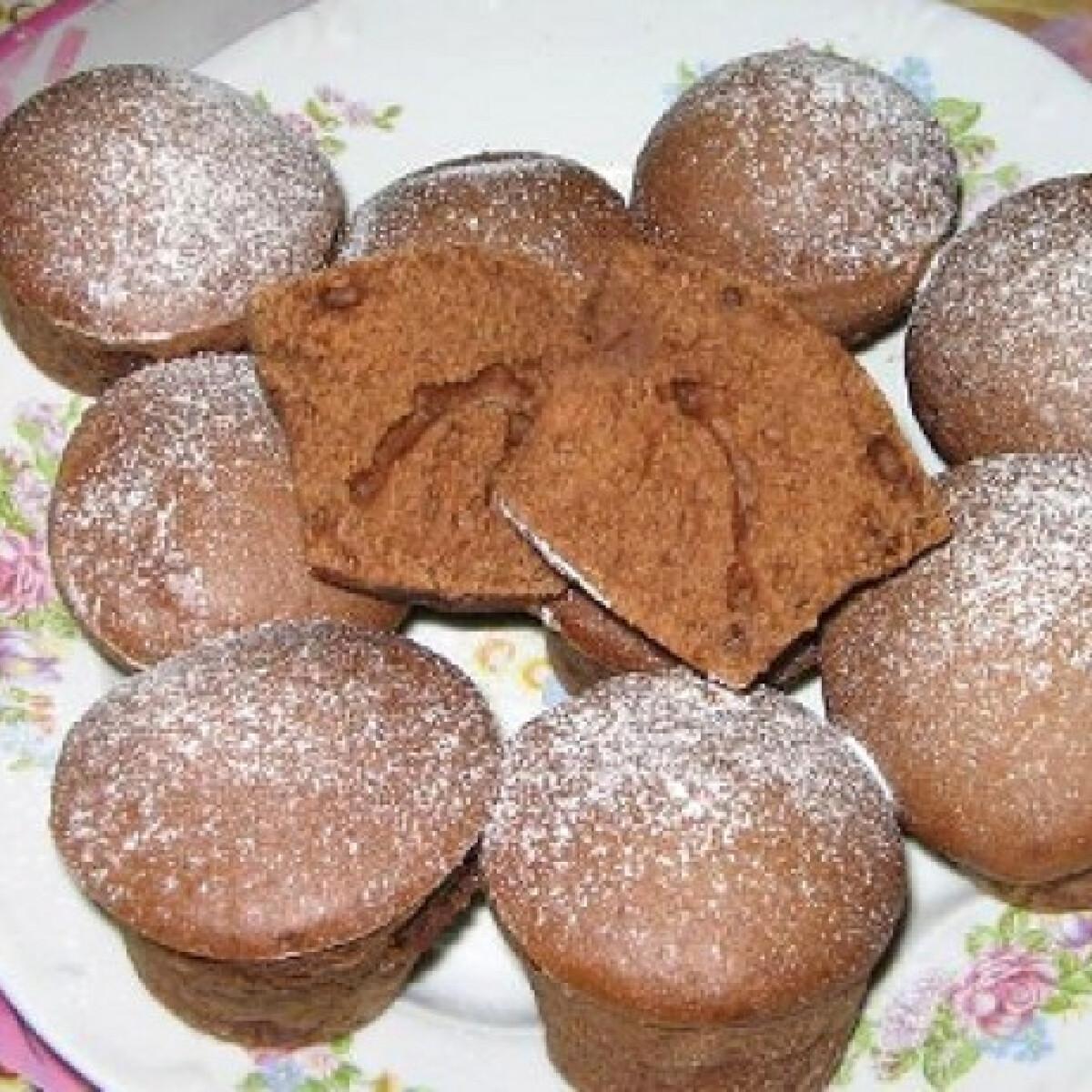 Ezen a képen: Extra csokis muffin Henitől