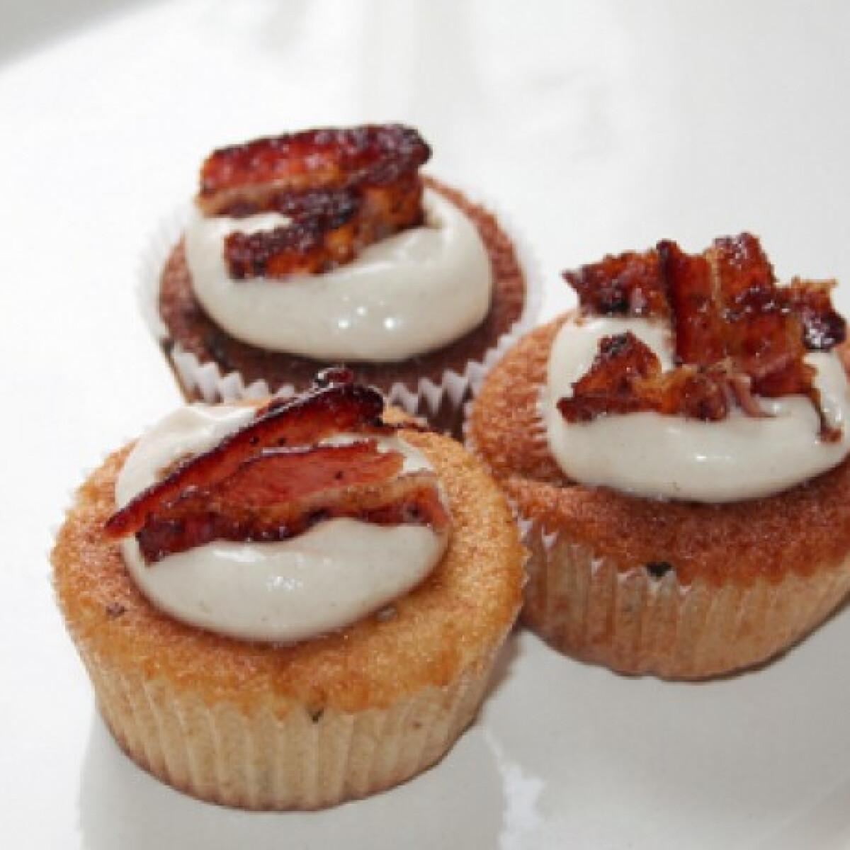 Juharszirupos-baconös cupcake