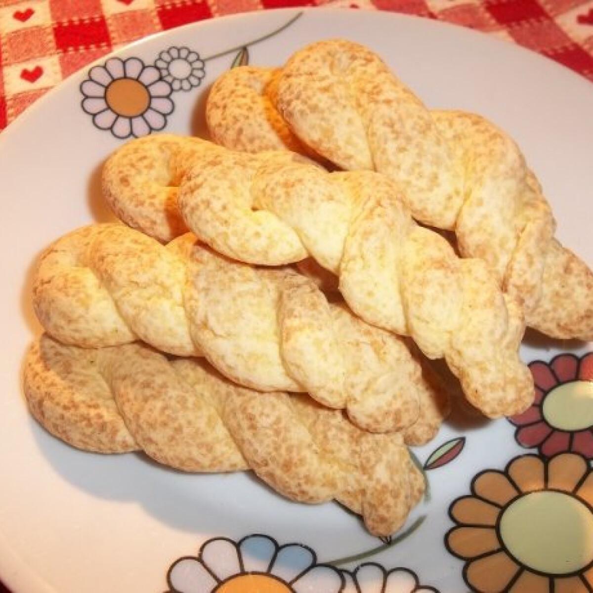 Ezen a képen: Csavart keksz gluténmentesen