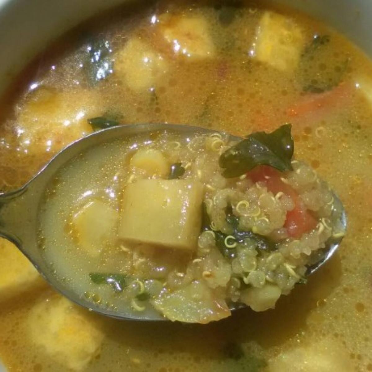 Ezen a képen: Currys quinoaleves