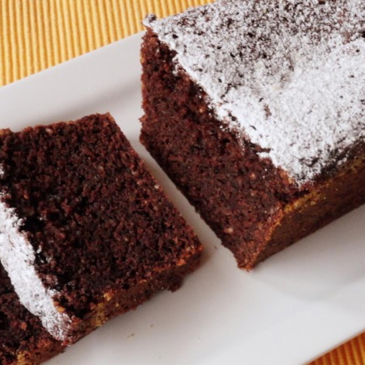 Ezen a képen: Ásványvizes-csokis sütemény